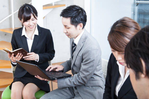 転職に役に立つ資格情報の紹介と取得を目指す人たちを応援するカフェ